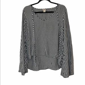 ☀️3/$20- Mossimo black gingham blouse